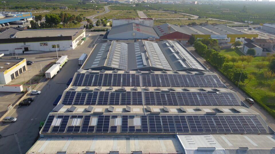 Instalación Placas Fotovoltaica en techo empresa Valencia
