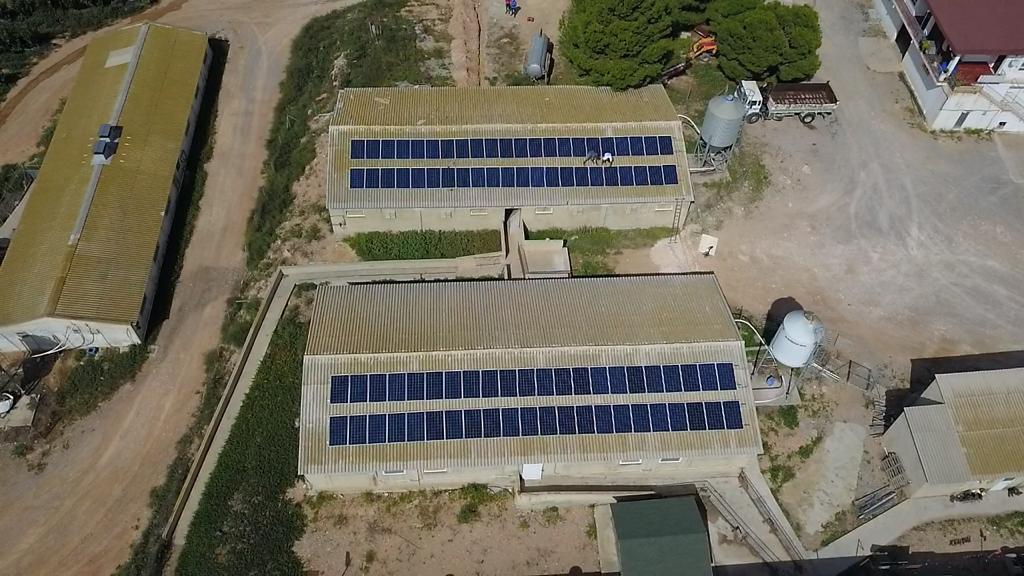 Instalación Placas Fotovoltaica en techo industria